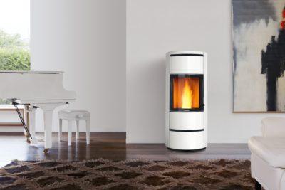 ¿Quieres calentar tu vivienda con estilo? Se puede, con las estufas de pellet de diseño moderno.