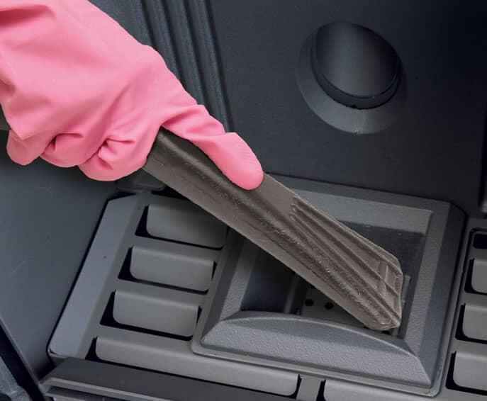 Come pulire la stufa a pellet o a legna e ogni quando farlo